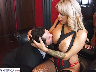 Hyper sexual cougar Alyssa Lynn is cheating on her husband forth a young personnel waitress