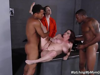 WatchingMyMomgoesBlack Maggie Green