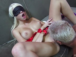 Addictive couch sex with Dan fucking this munificence babe while she's delusional unaware folded