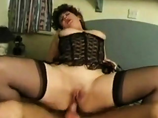 Chunky British MILF gets facial by way of anal!