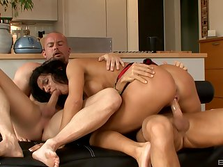 Twin orgasms and penetration be advisable for the hot wife